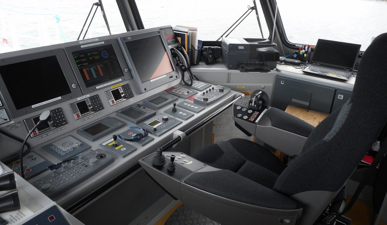 Steering position on used Damen Fast Crew Supplier