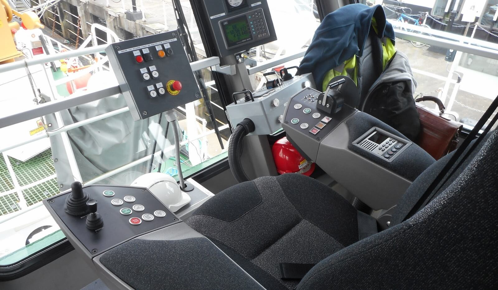Helmsman seat on second hand of Fast Crew Supplier