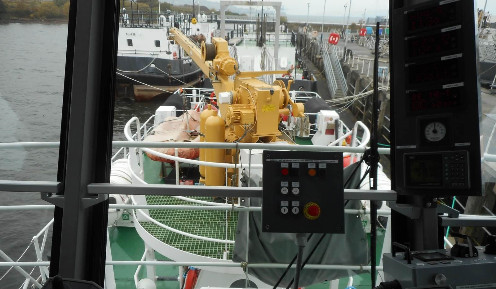 View on aft deck from wheelhouse on used Damen Fast Crew Supplier