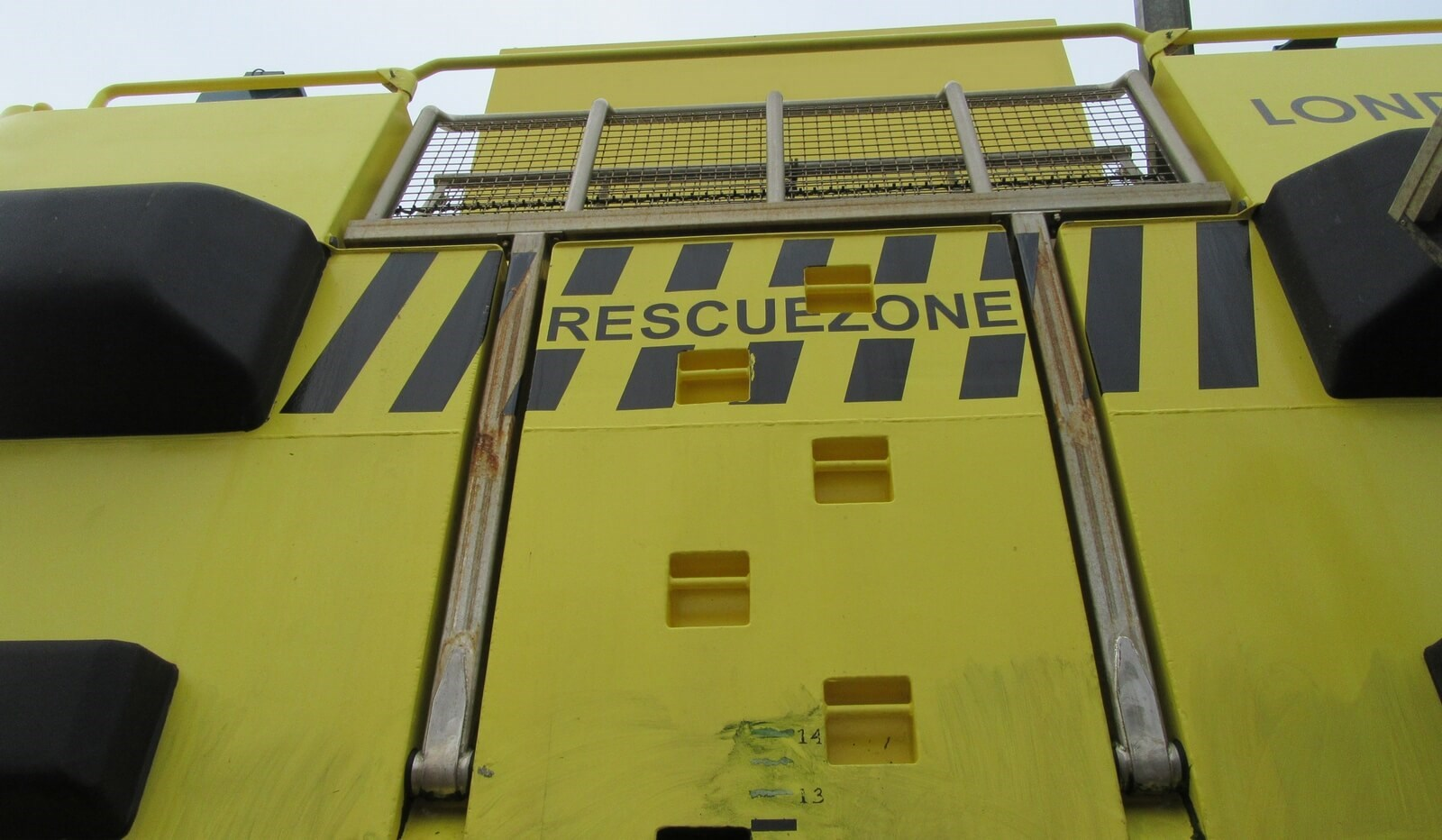 Hydraulic rescue lift