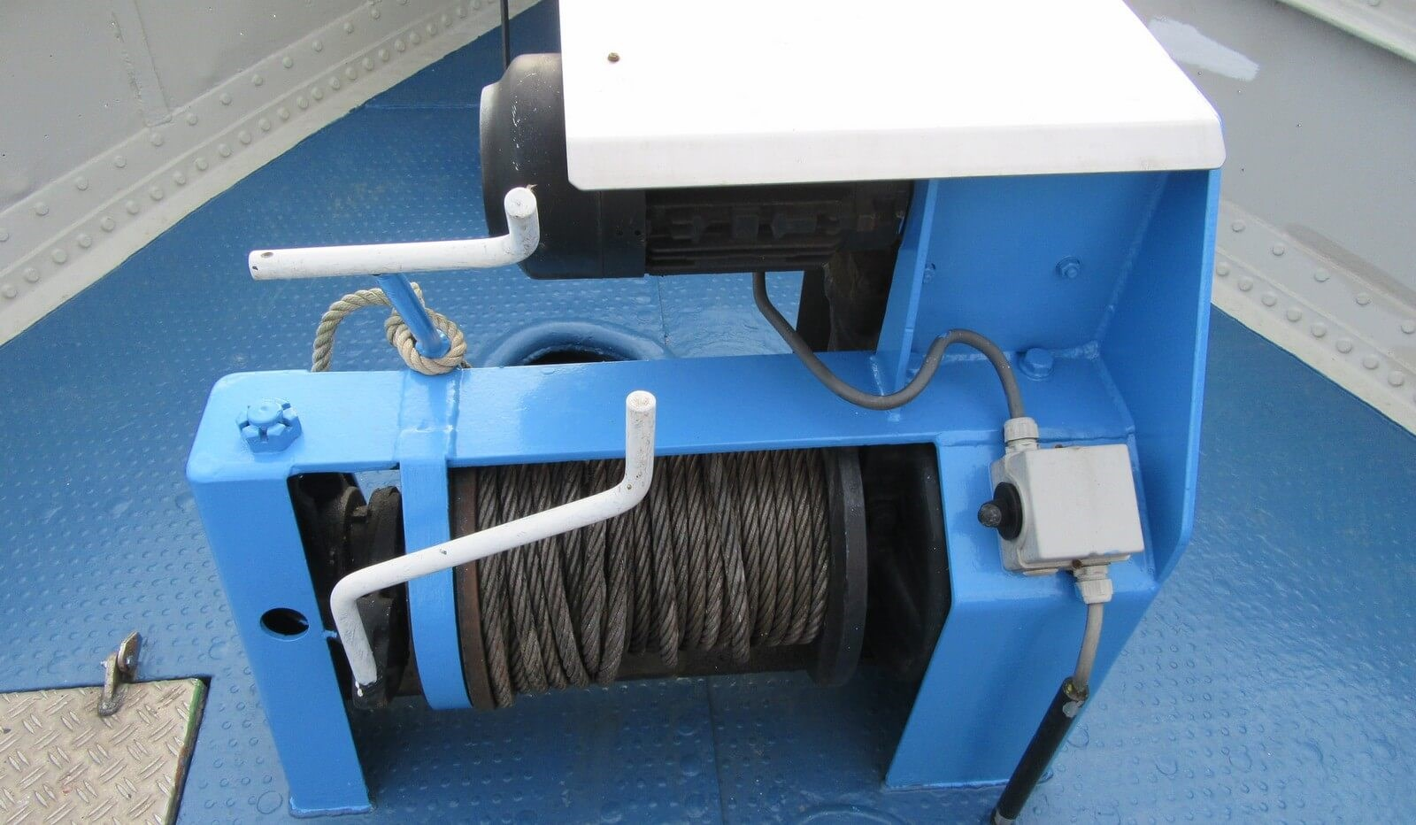 Anchor winch of used tug