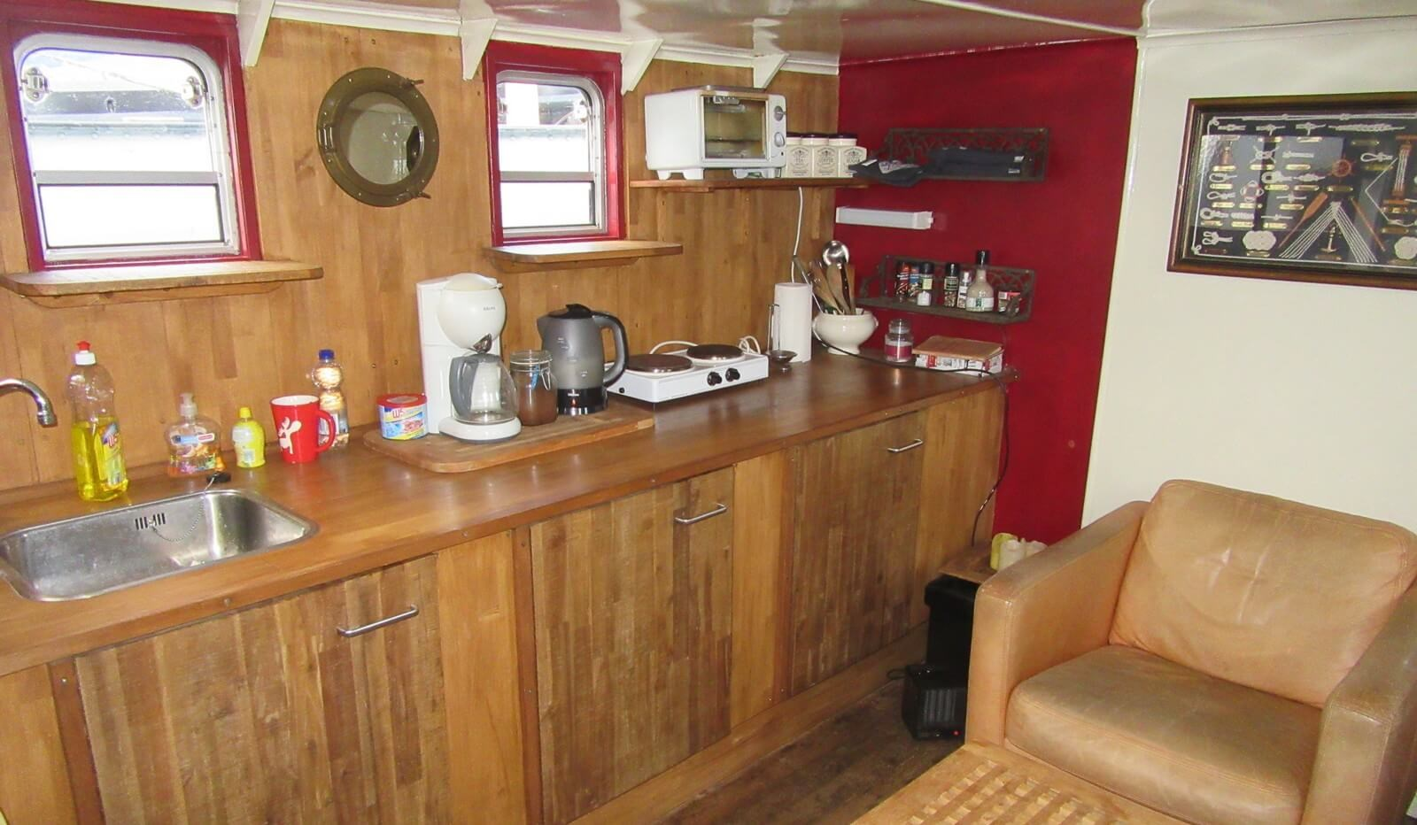 Day room on pre-owned tug