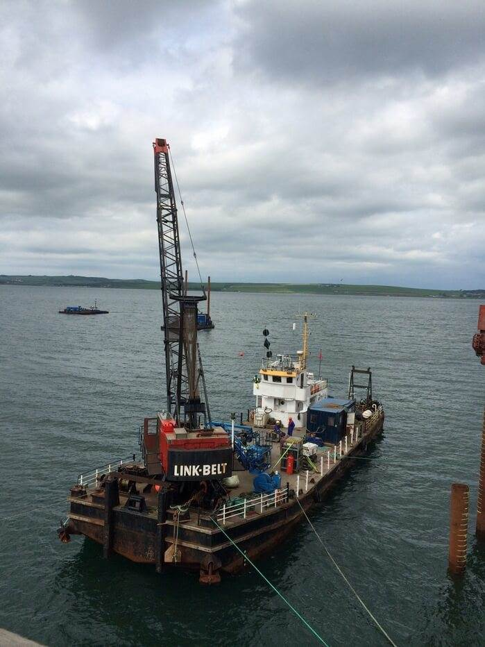 Self-propelled crane barge for sale 06641 (4)