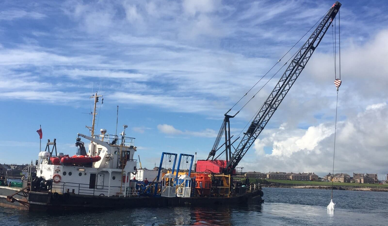 Self-propelled crane barge for sale 06641 (5)