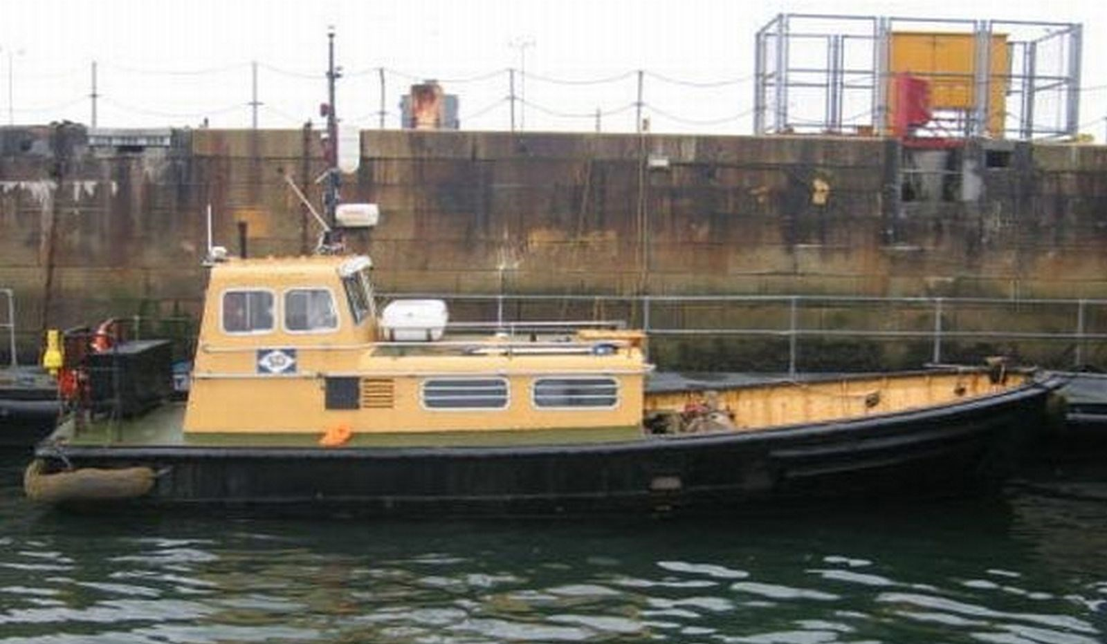 "The Voith tug 'SD Lesley', crew/workboat 'SD Jackie' and twin screw tugboat 'SD Saluki' where sold from U.K. owner ""Serco"" to West African buyers."