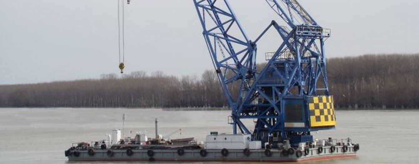 Crane barge 'Vulcan' has been sold from Damen Shipyards Galati in Romania to a Turkish Shipyard.