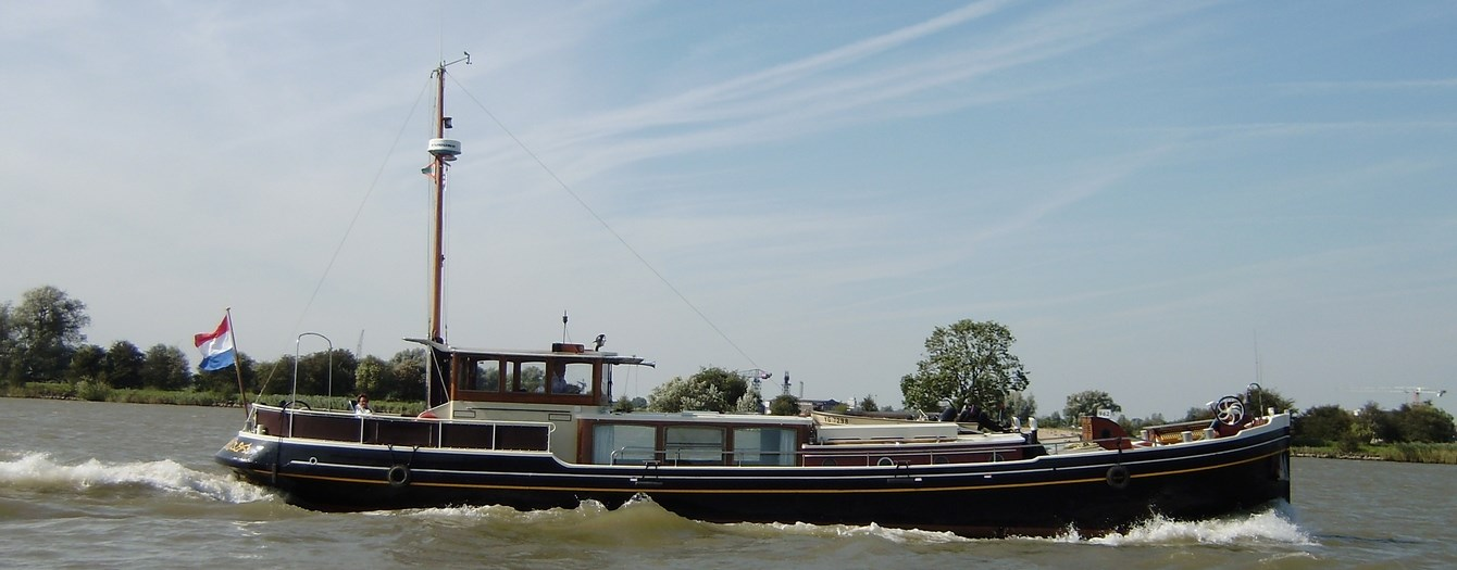 Today the luxe motor Onderneming has been sold to her new owner, who is based in Zwartsluis in The Netherlands