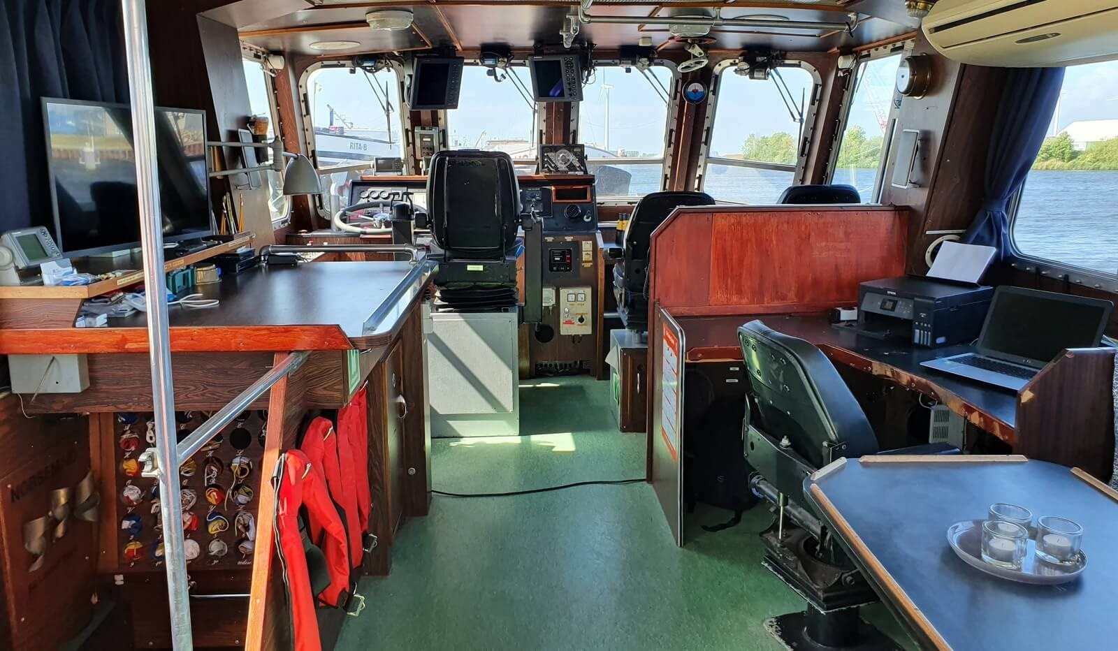 used survey boat in the netherlands for sale 07627 (9)