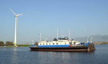 inland river ferry in the netherlands 07631 (2)