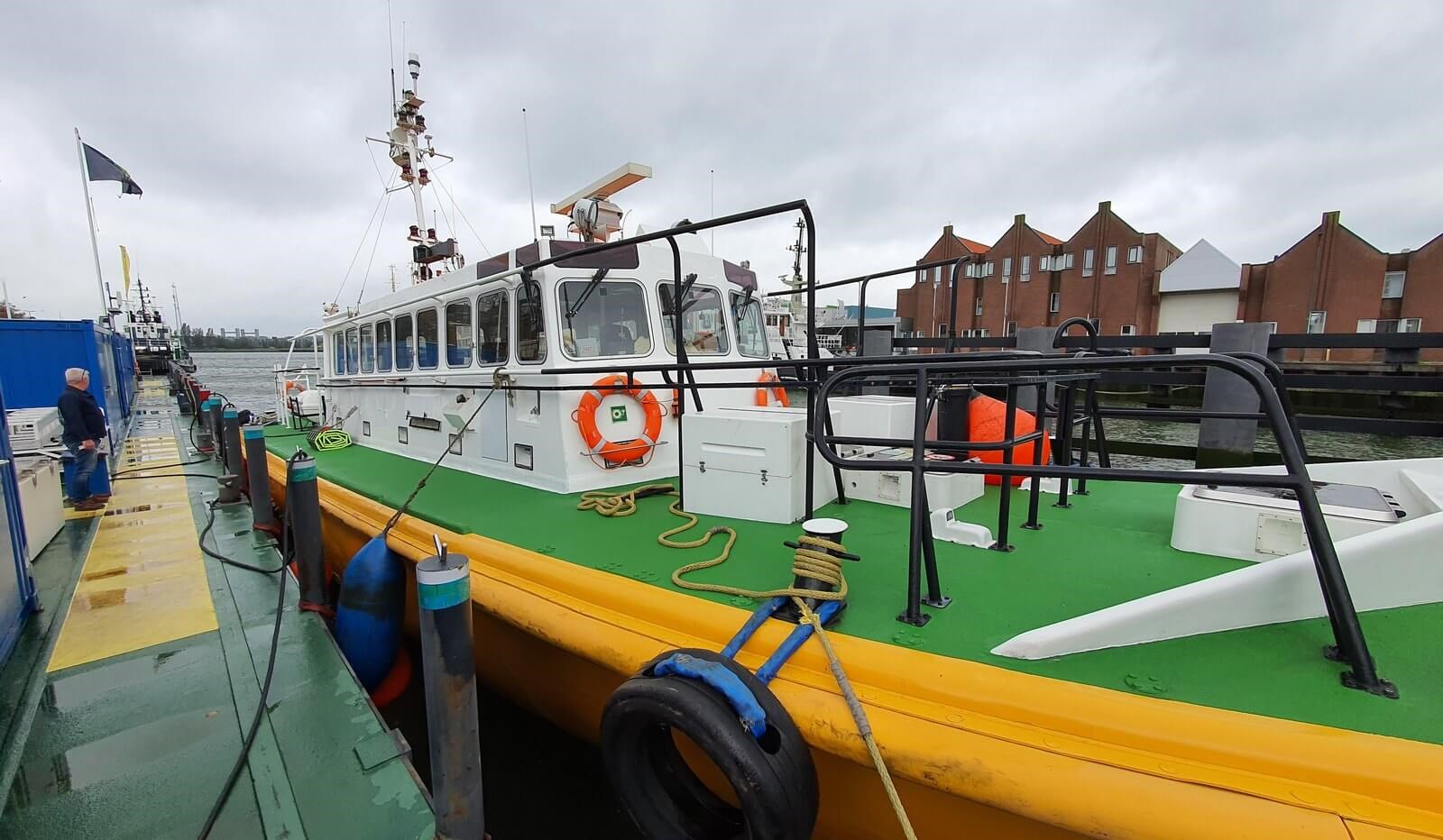 fast pilot boat for crew transfer 07560 (3)