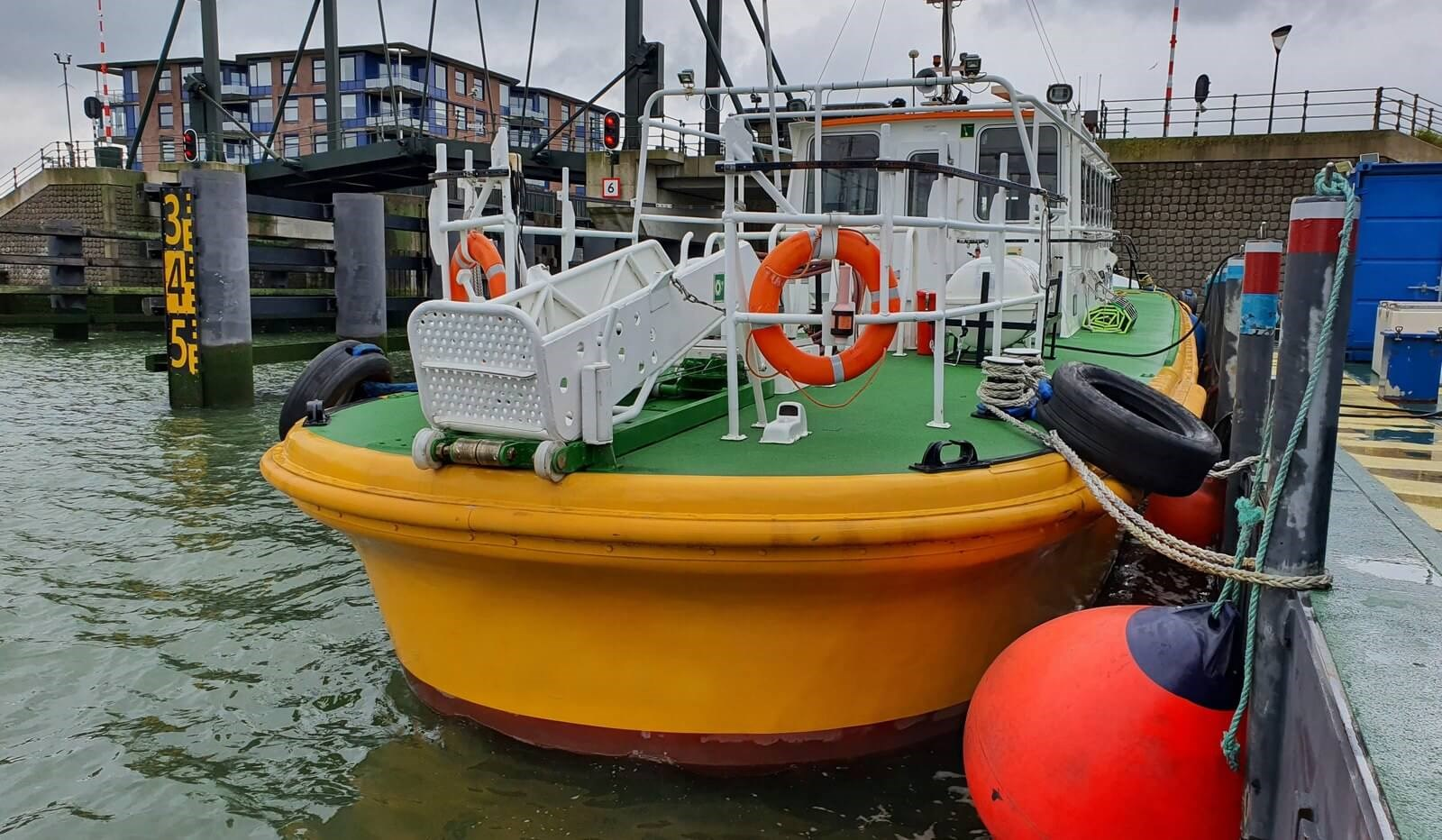 fast pilot boat for crew transfer 07560 (17)