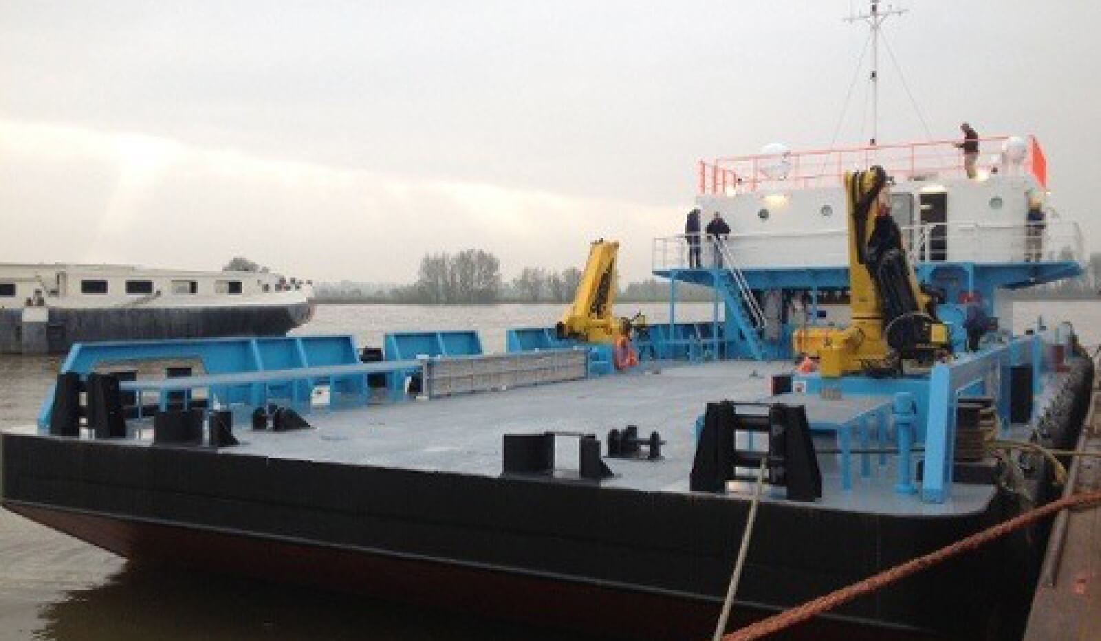 accommodation barge for sale 07600 (8)