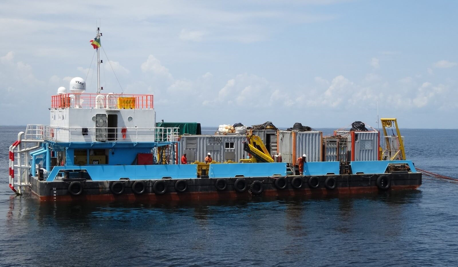 accommodation barge for sale 07600 (12)