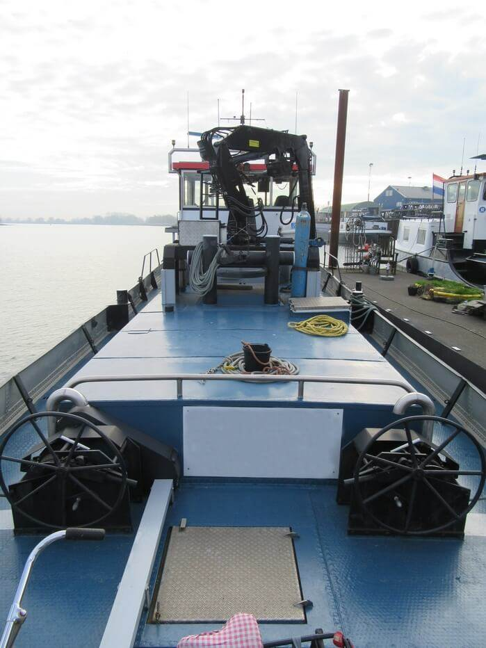 Tug/pushboat is available for sale