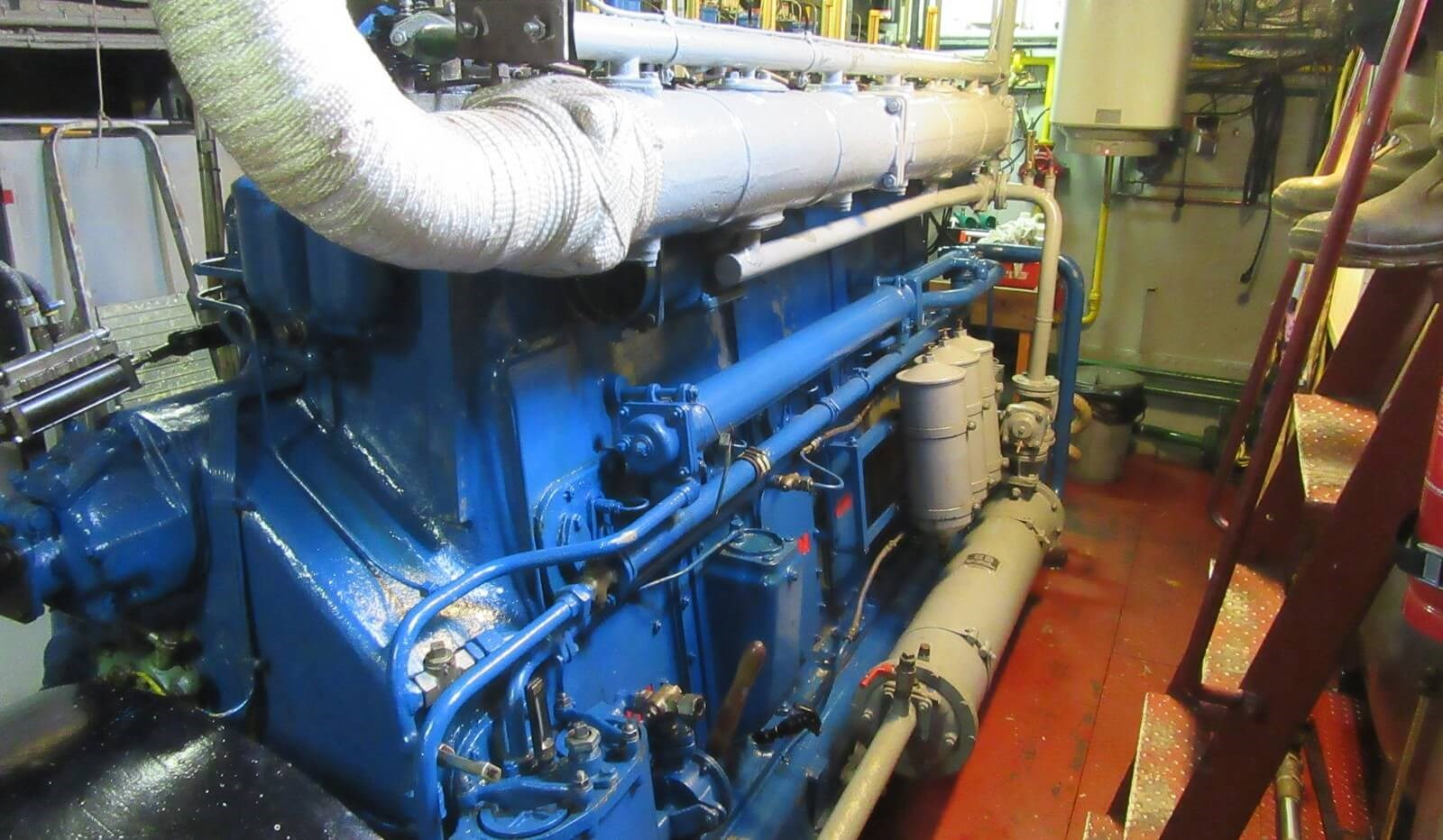 Main engine of used tug