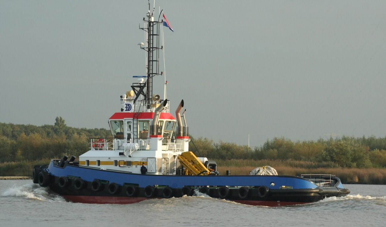One of the largest Italian tug owners, Sale two DAMEN Stan Tugs 2608 to Italian client Fratelli Neri S.p.A, ordered its first Damen tug, an ASD 3212, on 21 July 2015. The vessel will be the first ASD tug in the Mediterranean region with a Damen Render Recovery Escort winch. The family-owned, Livorno-based harbour towage company has been in operation for over 100 years.